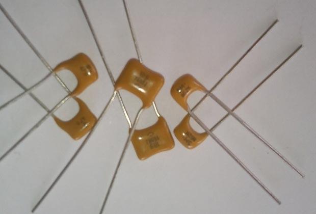 Фото конденсатора КМ-5
