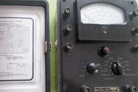 Измерительный прибор Ампервольтметр